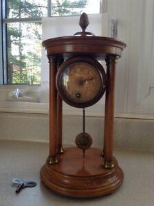 Antique mantle clock West Island Greater Montréal image 1