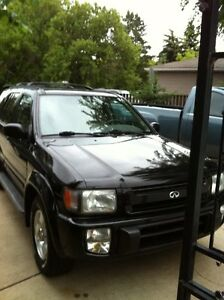 1997 Infiniti QX4 SUV, Ideal for the Winter