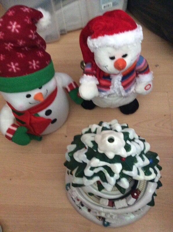 3 musical christmas decorations