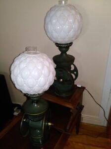 PLUSIEURS LAMPES VINTAGE..BROCANTE FLEUR DE LYS