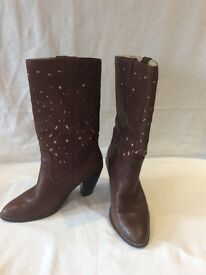 Ladies Leather Cowboy Boots