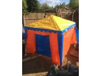 Children's play tent Wendy house