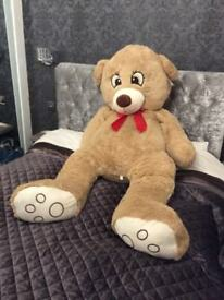 New very large cuddly bear