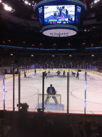 2 tics Canucks vs Oilers Boxing Day Lower Bowl Great Seats