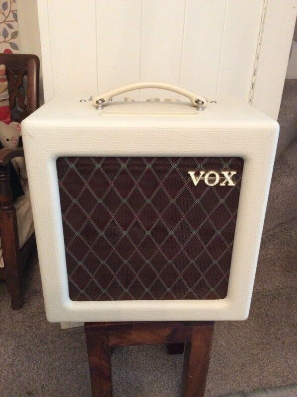 VOX AC4 TV valve combo