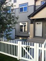 West Edmonton 3 Bedroom Townhouse For Rent In The Hampton's