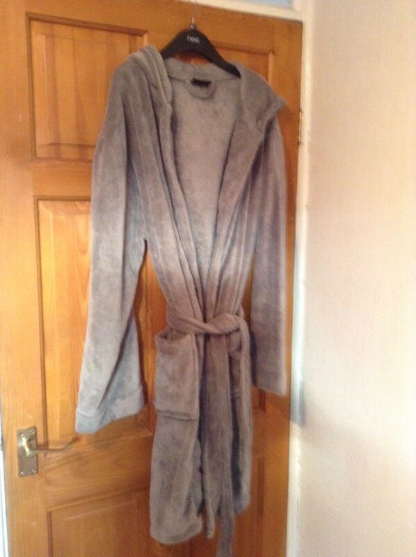 Mens Hooded Grey Velour Dressing Gown In Runcorn Cheshire Gumtree