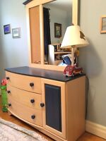 High Quality Ashley Bedroom Set - mint condition!