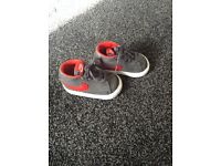 Boys nike trainers both like new only worn few times