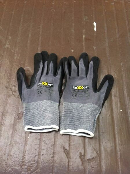Texxor black touch football goalkeeper gloves. In good condition.