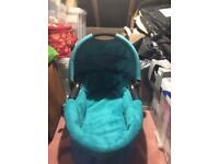 Quinny carrycot blue