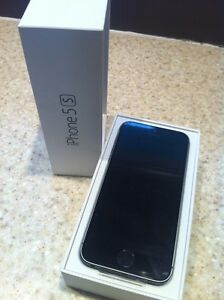 BRAND NEW iPhone 5S. With lifeproof case