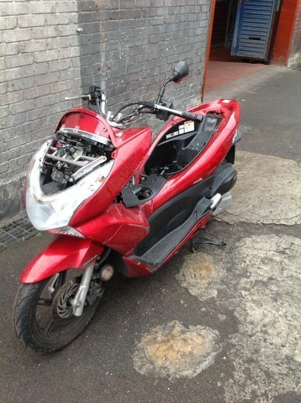 HONDA PCX BREAKING