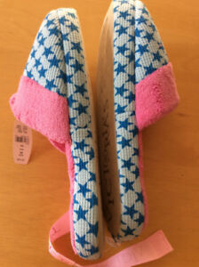 Victoria Secret brand new indoor slippers; chaussons nouveaux
