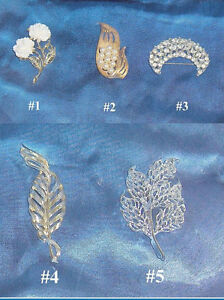Lot of 5 Brooches or Pins