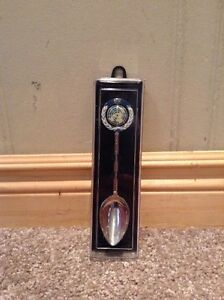 United Nations commemorative spoon in case Kitchener / Waterloo Kitchener Area image 1