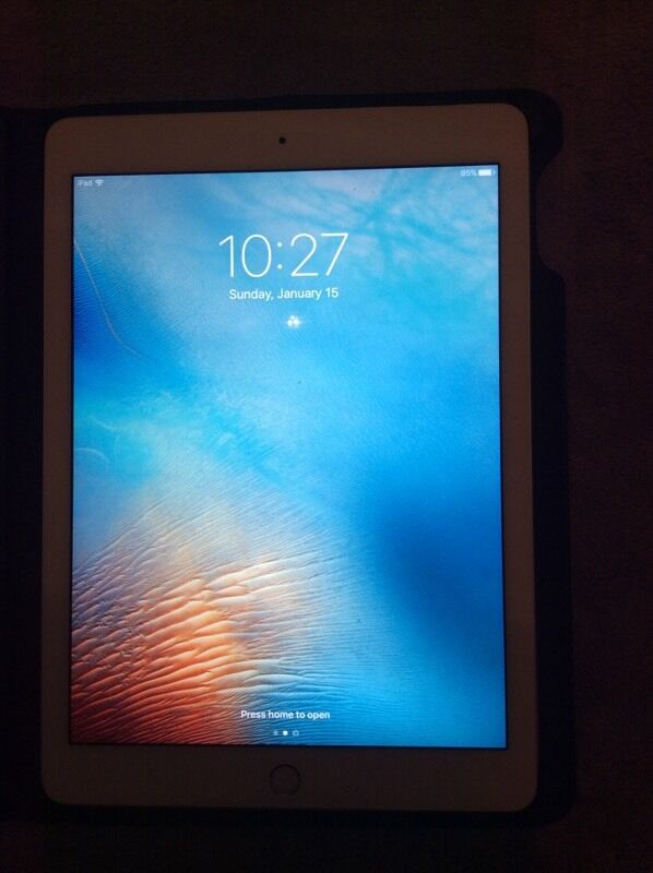 iPad Air 64GB Wi Fi Silver (immaculate conditionin Cambridge, CambridgeshireGumtree - iPad Air 264GB capacitySilverWi Fi modelImmaculate condition, selling only because not used as we have a iPad mini as well