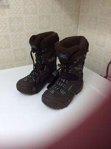 Bottes d'hiver brun et turquoise 7 ans