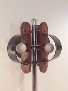 1970 Floor Lamp Chrome and Plexiglas-Lampe de Plancher 1970