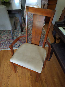 Dinning Room Table with Eight Chairs Stratford Kitchener Area image 3