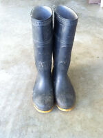Men's outdoor rubber boots, size 8