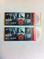 2 Tickets to the Road Hammers Concert at Tweed Stampede