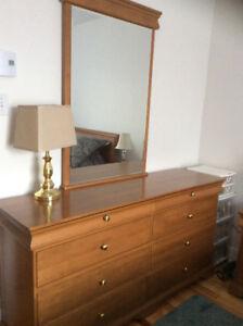 Mobilier de chambre à coucher en érable
