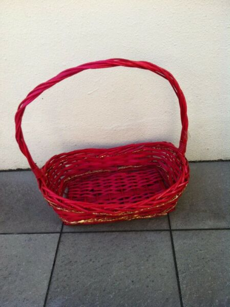 Red rattan basket. Dimension 41 x 28 x 10cm. In good condition.