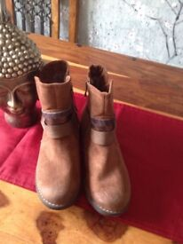 Ladies boots size 38 size 6