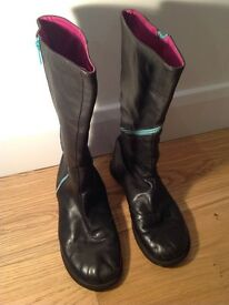 Camper Black Leather boots. Size 38. Funky pink inner and turquoise zips