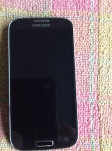 Telephone cellulaire comme neuf Samsung galaxy 4
