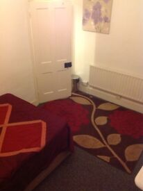Big double room for rent in clean house all bills included please call Raz 07722557199