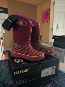 Girls Size 13 Bogs Waterproof Winter Boots, New in Box London Ontario image 1