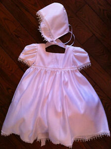 CHRISTENING GOWN SET NEVER WORN