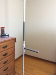 Superpole System with horizontal bar by Healthcraft