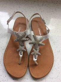 M&S sandals size 3 lovely