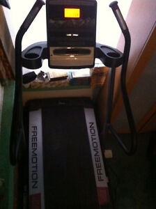 Freemotion i5.3 Incline Trainer Treadmill