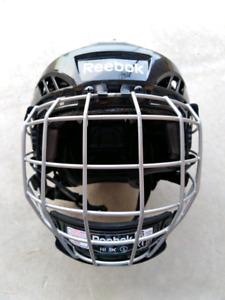 === Reebok hockey helmet Youth SMALL ===