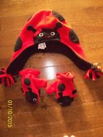Old Navy Ladybug Toque & Mitts, Size 2T-3T