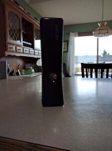 Microsoft Xbox 360 W/ Kinect Superb Condition + Games