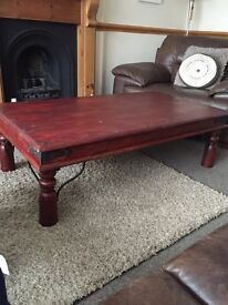 LARGE COFFEE TABLE VERY SOLID IN GOOD CONDITION