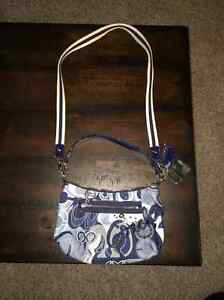 Authentic Collectible Coach Poppy Cross Shoulder Bag Kitchener / Waterloo Kitchener Area image 1