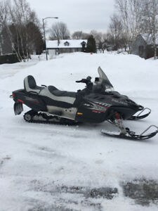 Fst.touring 750 turbo Polaris 2006  17000 km rack banc  toile