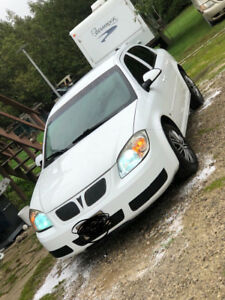 Pontiac G5 for sale, low kms and excellent on gas!