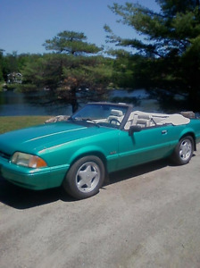 1992 Ford Mustang Convertible