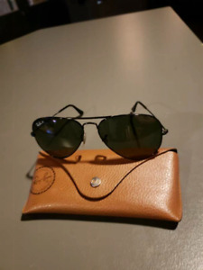 Polarized black aviator Ray bans