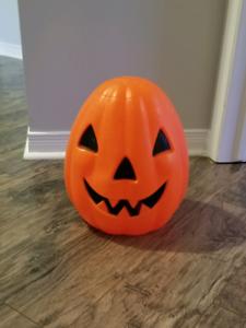 Vintage Hallowen lightup jack-o-lantern