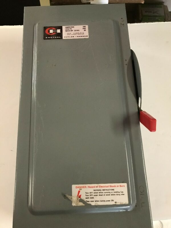 DG323NGB CUTLER HAMMER FUSIBLE DISCONNECT SWITCH -FREE SHIPPING-