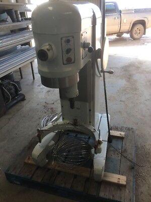 Hobart H 600 T 60 Quart Mixer With Attachments