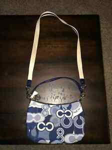Authentic Collectible Coach Poppy Cross Shoulder Bag Kitchener / Waterloo Kitchener Area image 2